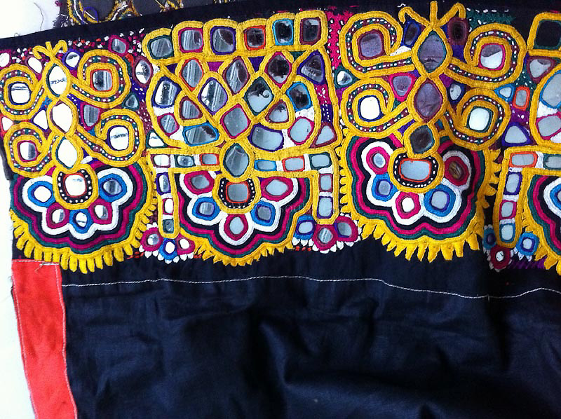 VINTAGE BAANTH WITH FLORAL MOTIF EMBROIDERY FROM VAGADIA RABARI COMMUNITY, KUTCH GUJARAT