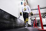 Stockholm 2014-12-01 Ishockey Hockeyallsvenskan AIK - S&ouml;dert&auml;lje SK :  <br /> AIK:s Oliver Kylington p&aring; v&auml;g till omkl&auml;dningsrummet i Hovet efter uppv&auml;rmningen inf&ouml;r matchen mellan AIK och S&ouml;dert&auml;lje SK <br /> (Foto: Kenta J&ouml;nsson) Nyckelord:  AIK Gnaget Hockeyallsvenskan Allsvenskan Hovet Johanneshov Isstadion S&ouml;dert&auml;lje SSK portr&auml;tt portrait inomhus interi&ouml;r interior