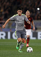 Calcio, andata degli ottavi di finale di Champions League: Roma vs Real Madrid. Roma, stadio Olimpico, 17 febbraio 2016.<br /> Real Madrid's James Rodriguez in action during the first leg round of 16 Champions League football match between Roma and Real Madrid, at Rome's Olympic stadium, 17 February 2016.<br /> UPDATE IMAGES PRESS/Isabella Bonotto