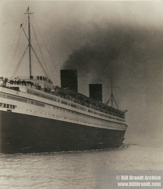 Queen Elizabeth the first (1st) ship 1930s