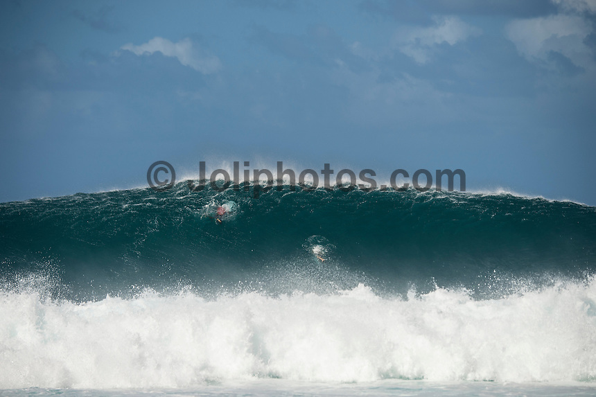 Pipeline,  OAHU - HAWAII, USA: (Wednesday, December 16, 2015):  kelly Slater (USA)  and Mick Fanning (AUS) -The Billabong Pipe Masters in Memory of Andy Irons was  called back ON this morning with Round 3 commencing at 8am in solid eight-to-ten foot (2.5 - 3 metre) waves at the Banzai Pipeline. <br />  <br /> The final stop of the Men&rsquo;s Championship Tour and Vans Triple Crown of Surfing (a WSL Specialty Series), the Billabong Pipe Masters will decide the 2015 World Champion, the 2016 elite tour class and the Vans Triple Crown of Surfing Champion by the end of the event.<br />  Photo: joliphotos.com