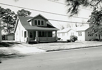 1998 February ..Conservation.Campostella Heights..Campostella Heights Study.Fair Structures.1007-1003 Oakwood Street looking Northwest...NEG#.NRHA#.02/98  SPECIAL: Camp.1 2:8:17.
