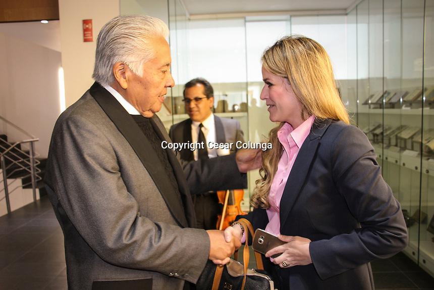Querétaro, Qro. 24 de Noviembre de 2016.-   En sesión de Pleno, los diputados de la LVIII Legislatura de Querétaro aprobaron con 25 votos a favor, el Dictamen de la Comisión de Educación, Cultura, Ciencia, Tecnología e Innovación, en torno a la Iniciativa de Decreto por el que se declara a la Orquesta Filarmónica del Estado de Querétaro 'Patrimonio Cultural' del Estado de Querétaro, propuesta que fue presentada con el fin de reconocer la expresión artística que brinda a los queretanos, preservándola como un bien cultural para la sociedad y salvaguardándola como una institución que contempla el reconocimiento de los usos, representaciones, expresiones, conocimientos y técnicas transmitidos a través de la música, protegiendo la tradición histórica que se ha venido dando a través de décadas; generando con ello conciencia, principalmente entre los jóvenes, sobre el beneficio que se tiene al fomentar la cultura y las expresiones artísticas en el estado.