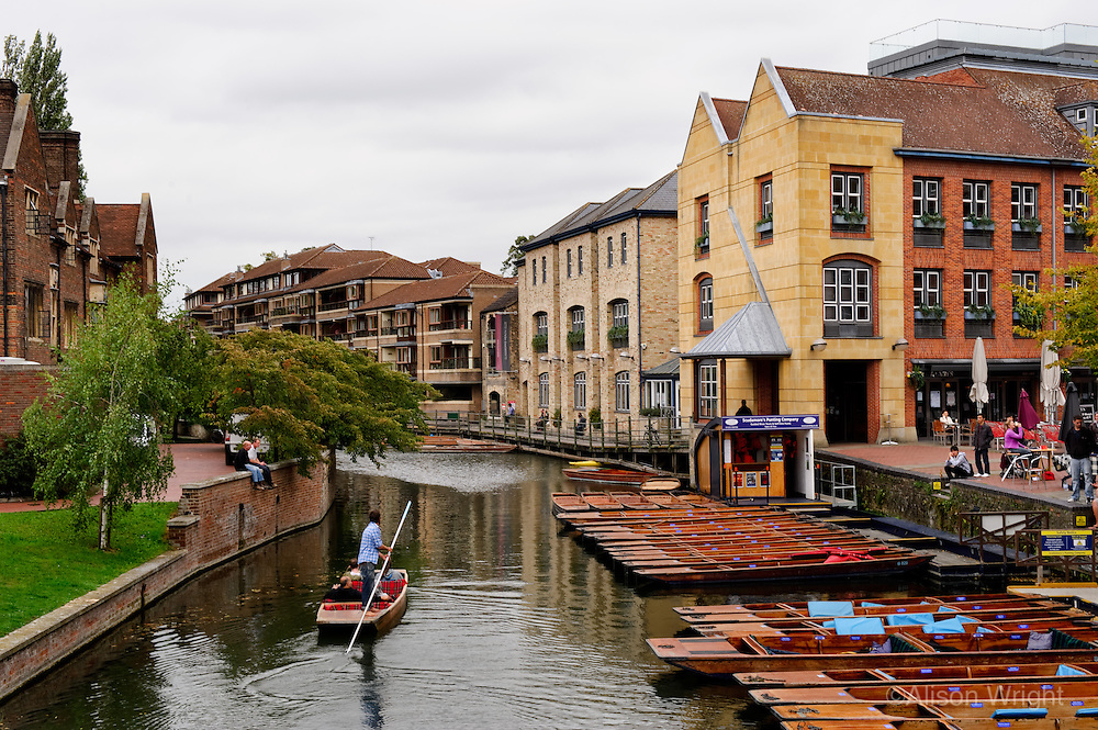 Cambridge University, punters on the river