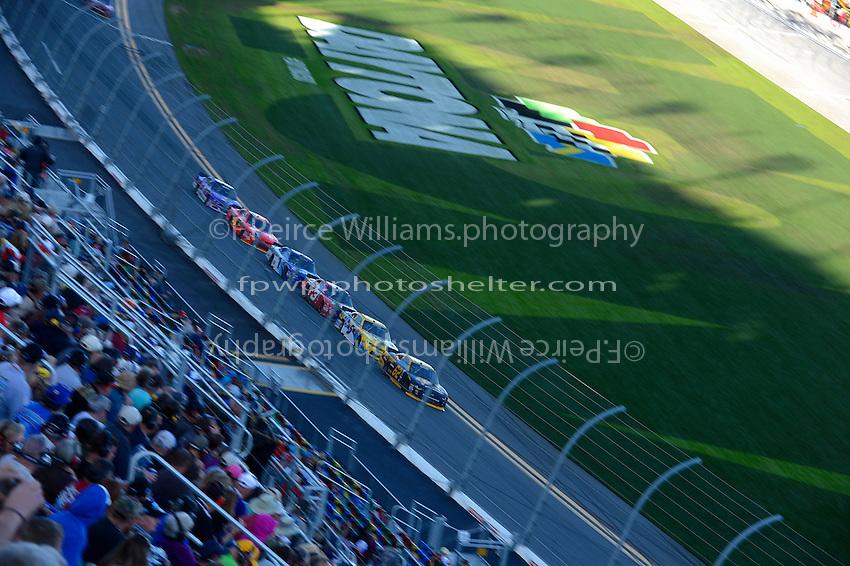 19-20 February, 2016, Daytona Beach, Florida USA<br /> Brendan Gaughan leads Kasey Kahne, Ty Dillon, Elliott Sadler.<br /> &copy;2016, F. Peirce Williams