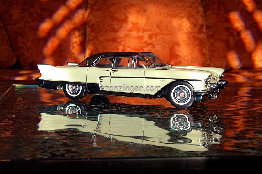Cadillac 1957 Brougham white with Black Top Trim, replica model