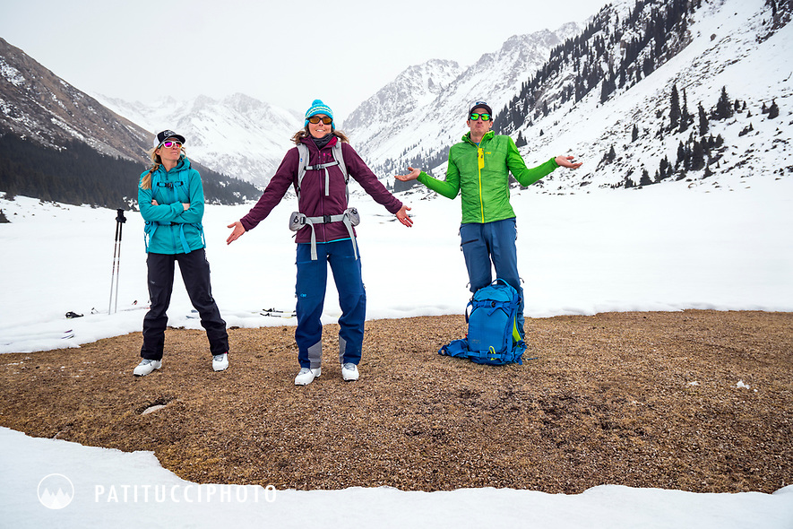 Ski tourers in Kyrgyzstan discover bad conditions, low snow and too warm.