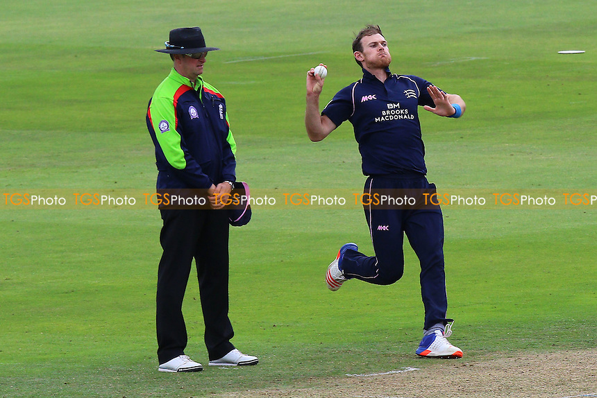James Harris in bowling action for Middlesex during Middlesex vs Essex Eagles, Royal London One-Day Cup Cricket at Lord's Cricket Ground on 31st July 2016