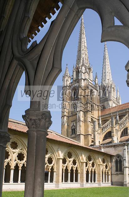 Europe/France/Aquitaine/64/Pyrénées-Atlantiques/Bayonne: le cloitre de la cathédrale