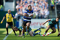 Cooper Vuna of Bath Rugby goes on the attack. Aviva Premiership match, between Bath Rugby and London Irish on May 5, 2018 at the Recreation Ground in Bath, England. Photo by: Patrick Khachfe / Onside Images
