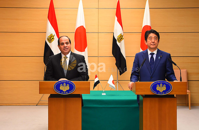 Egyptian President Abdel Fattah al-Sisi speaks to Japanese Prime Minister Shinzo Abe (R) at the start of their meeting at Abe's official residence in Tokyo, Japan, 29 February 2016. Egyptian President Abdel Fattah al-Sisi is currently on a four-day visit to Japan. Photo by Egyptian President Office