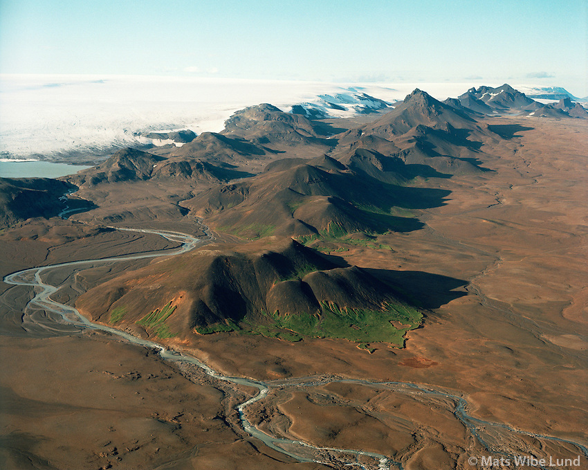 Jarlhettur, Hagavatn, Hagajökull / Langjökull, Hálendið /.Jarlhettur, lake Hagavatn and Hagajokull part of Langjokull glacier, Highlands.