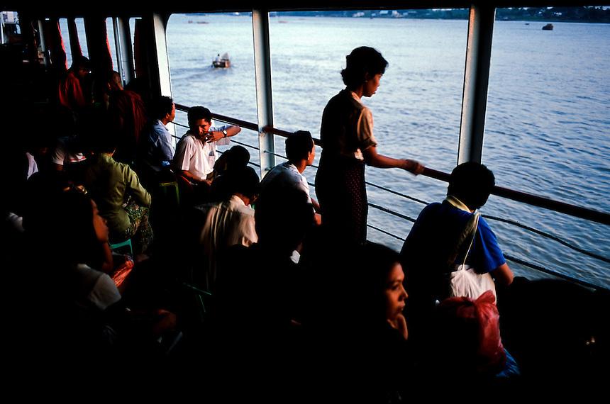 Evening Commuters, Yangon, Burma/Myanmar, November 2010. Photo: Ed Giles.