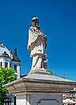 19.05.2013. Pomnik św. Jana Nepomucena na rynku w Bielsku-Białej