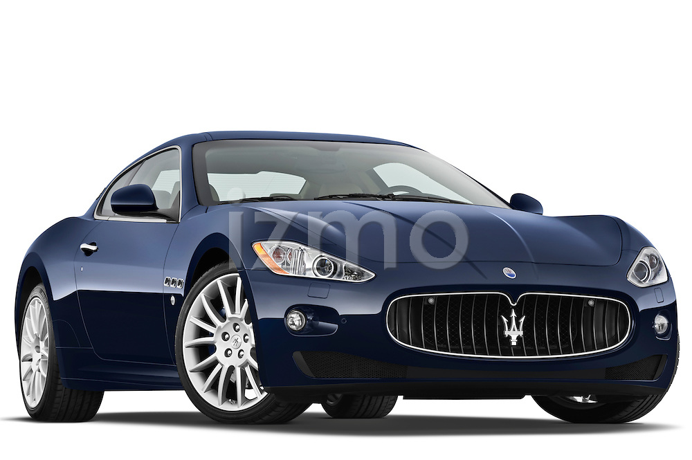 Low aggressive passenger side front three quarter view of a 2010 Maserati Granturismo S Automatic Coupe