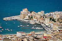 Castellamare di Golfo, Sicily, Italy, May 2007. the harbour of Castellamare di Golfo. The rugged nature of sicily harbours beautiful villages and ruins of ancient civilizations. Photo by Frits Meyst/Adventure4ever.com
