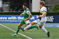 HEMPSTEAD - USA. 13-07-2016: Ayose Perez (Izq) jugador del New York Cosmos disputa el balón con Zach Steinberger (Der) jugador de Jacksonville Armada FC durante partido por la temporada de otoño 2016 de la North American Soccer League (NASL) jugado en el estadio James M. Shuart Stadium de la ciudad de Hempstead, NY./ Ayose Perez (L) player of New York Cosmos vies for the ball with Zach Steinberger (R) player of Jacksonville Armada FC during match for the fall season 2016 of the  North American Soccer League (NASL) played at James M. Shuart Stadium in Hempstead, NY. Photo: VizzorImage/ Gabriel Aponte / Staff