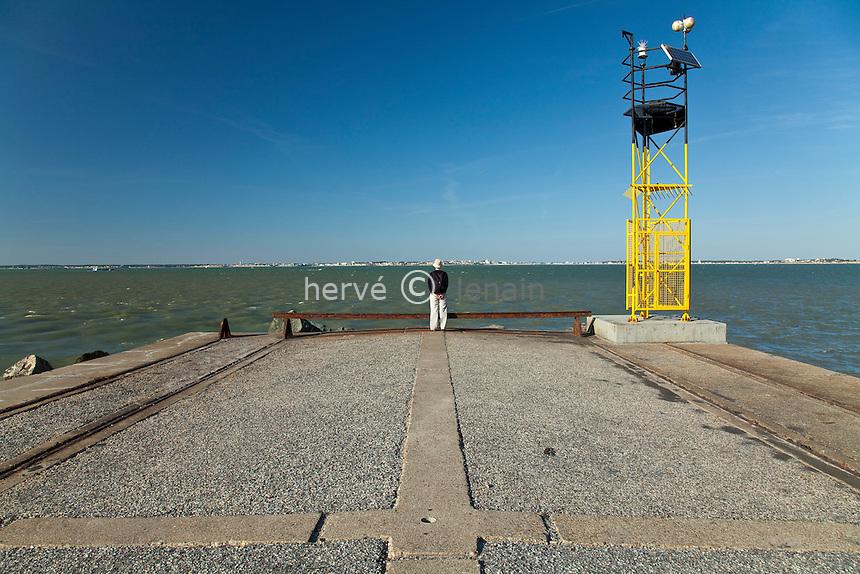 France, Gironde (33), estuaire de la Gironde, Pointe de Grave, vue sur Royan et Saint-Georges-de-Didonne // France, Gironde, estuary of the Gironde, Pointe de Grave, seen on Royan and Saint Georges de Didonne
