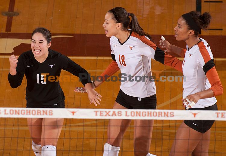 Sydney Yogi (15), Amber Roberson (18), Rachael Adams (5)