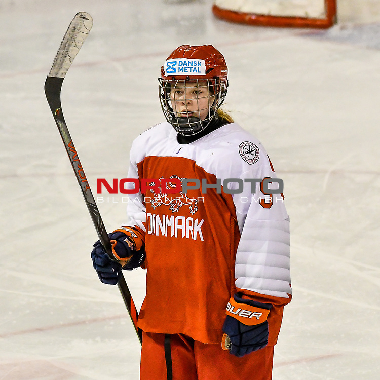 03.01.2020, BLZ Arena, Füssen / Fuessen, GER, IIHF Ice Hockey U18 Women's World Championship DIV I Group A, <br /> Daenemark (DEN) vs Ungarn (HUN), <br /> im Bild Frederikke Foss (DEN, #5)<br /> <br /> Foto © nordphoto / Hafner