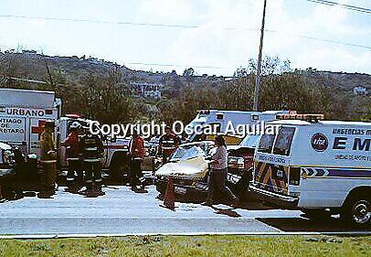 Quer&eacute;taro, Quer&eacute;taro. Y 5 de septiembre de 2015.<br /> <br /> un taxista pierde la vida en un choque al dar la vuelta en un rato horno invadir otro carril en la carretera Tlacote. <br /> <br /> Foto:  Oscar Aguilar/ Obture.
