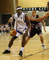 Saints import Damon Thornton during the NBL match between the Wellington Saints and Christchurch Cougars at Te Rauparaha Stadium, Porirua, Wellington, New Zealand on Saturday 4 April 2009. Photo: Dave Lintott / lintottphoto.co.nz