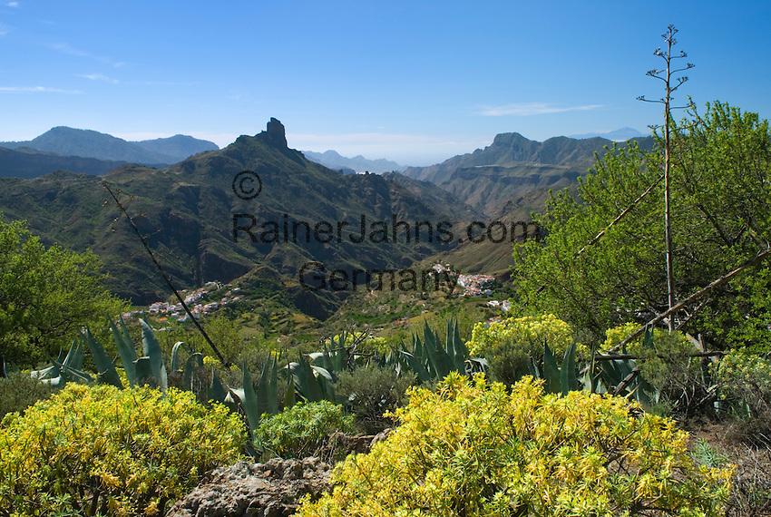 Spain, Gran Canaria, View over Tejeda and Roque Bentayga   Spanien, Gran Canaria, Blick ueber Tejeda zum Roque Bentaiga
