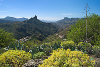 Spain, Gran Canaria, View over Tejeda and Roque Bentayga | Spanien, Gran Canaria, Blick ueber Tejeda zum Roque Bentaiga