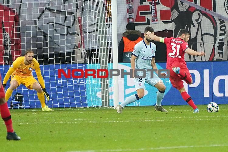 06.11.2019, BayArena, Leverkusen, Championsleague, Vorrunde, 4. Spieltag, GER, UEFA  CL, Bayer 04 Leverkusen (GER) vs. Atletiko Madrid (ESP),<br />  <br /> UEFA regulations prohibit any use of photographs as image sequences and/or quasi-video<br /> <br /> im Bild / picture shows: <br /> 2:0 durch Kevin Volland (Leverkusen #31), <br /> <br /> Foto © nordphoto / Meuter<br /> <br /> <br /> <br /> Foto © nordphoto / Meuter