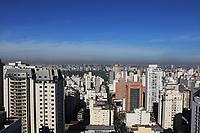 SÃO PAULO, SP, 09.08.2019 - CLIMA-SP - Dia de sol, calor, secura, e a camada de poluição podendo ser vista no horizonte, na região da Avenida Paulista, em São Paulo nesta sexta-feira, 9. (Foto Charles Sholl/Brazil Photo Press/Folhapress)
