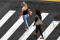 SAO PAULO - SP - 23.09. 2013 -  CLIMA/TEMPO, Tarde chuvosa e fria, no bairro de Pinheiros, zona oeste da cidade de Sao Paulo. (Foto: Mauricio Camargo / Brazil Photo Press).