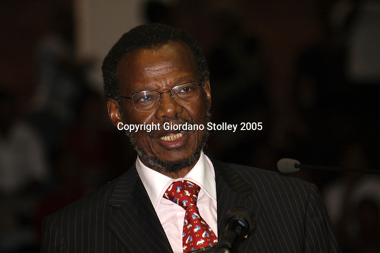 KWADLANGEZWA, South Africa - 11 November 2005 - Mangosuthu Buthelezi, the leader of the Inkatha Freedom Party  speaks at the University of Zululand's 45th anniversary celebrations. Picture: Giordano Stolley