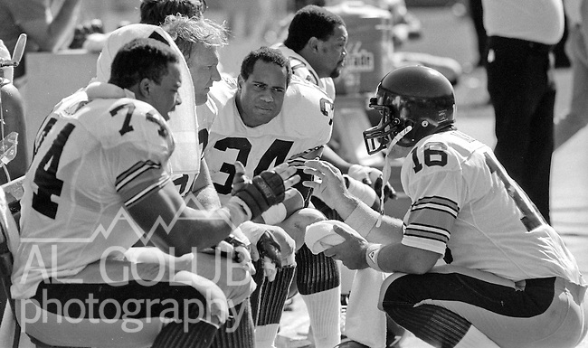 San Francisco 49ers vs. Pittsburgh Steelers at Candlestick Park Sunday, October 14, 1984..Steelers beat the 49ers 20-17.Pittsburgh Steelers Guard Terry Long (74), Pittsburgh Steelers Guard Terry Long (74) and Pittsburgh Steelers Quarterback Mark Malone (16)..