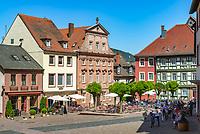 Germany; Bavaria; Lower Franconia; Miltenberg: café at market square | Deutschland; Bayern; Franken (Unterfranken); Miltenberg: Café am Marktplatz