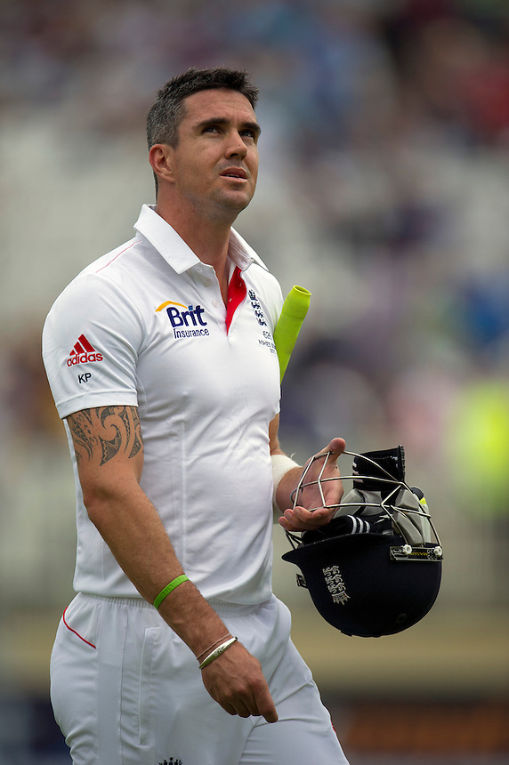 England's Kevin Pietersen walks back to the pavilion after his dismissal - KP Pietersen c Clarke b Siddle 14<br /> <br />  (Photo by Stephen White/CameraSport) <br /> <br /> International Cricket - First Investec Ashes Test Match - England v Australia - Day 1 - Wednesday 10th July 2013 - Trent Bridge - Nottingham<br /> <br /> &copy; CameraSport - 43 Linden Ave. Countesthorpe. Leicester. England. LE8 5PG - Tel: +44 (0) 116 277 4147 - admin@camerasport.com - www.camerasport.com