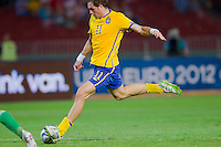 Sweden's Johan Elmander shoots the ball during the UEFA EURO 2012 Group E qualifier Hungary playing against Sweden in Budapest, Hungary on September 02, 2011. ATTILA VOLGYI