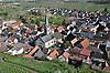 Blick vom Turm der Schwabsburg auf das Dorf Nierstein-Schwabsburg