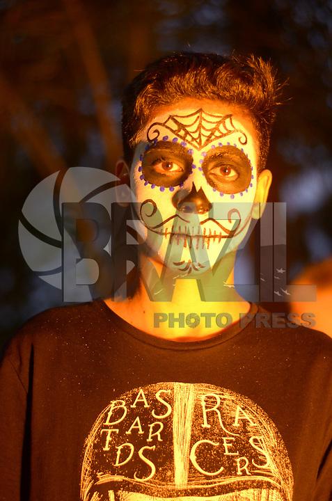 RIO DE JANEIRO, RJ, 02.11.2018 - FESTIVAL-MORTOS - Movimentação no segundo Festival dos Mortos Mexicanos no Parque das Ruínas em Santa Teresa no Rio de Janeiro (RJ), nesta sexta-feira (02). (Foto: Vanessa Ataliba/Brazil Photo Press)