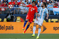 Action photo during the match Argentina vs Chile at Levis Stadium Copa America Centenario 2016. ---Foto  de accion durante el partido Argentina vs Chiler, En el Estadio de la Universidad de Phoenix, Partido Correspondiante al Grupo - D -  de la Copa America Centenario USA 2016, en la foto: (i)-(d) Gary Medel, Gonzalo Higuain<br /> <br /> --- 06/06/2016/MEXSPORT/PHOTOSPORT/ Andres Pina