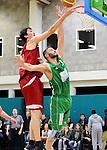 2016-01-09 / Basketbal / Seizoen 2015-2016 / Guco Lier - Kontich Wolves / Brusselmans met Van Wert (Kontich) in de rug<br /><br />Foto: Mpics.be