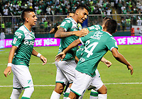 PALMIRA - COLOMBIA-08-07-2017: Jefferson Duque (C) jugador del Deportivo Cali celebra después de anotar un gol a Atlético Nacional durante partido por la fecha 1 de la Liga Aguila II 2017 jugado en el estadio Palmaseca de la ciudad de Palmira. / Jefferson Duque (C) player of Deportivo Cali celebrates after scoring a goal to Envigado FC during match for the date 1 of the Aguila League II 2017 played at Palmaseca stadium in Palmira city.  Photo: VizzorImage/ Nelson Rios /Cont