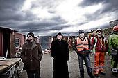 !!!!!!UWAGA RESTRYKCJE!!!!!!!!!!!!!..Swiebodzin 06.11.2010 Poland.Priest Sylwester Zawadzki with workers starring on the Christ the King statue. Priest Zawadzki is founder of the Jesus the King in Swiebodzin, 110 km (68 miles) west of Poznan, western Poland. The statue of Jesus Christ that its builders say will be the largest in the world is rising from a Polish cabbage field and local officials hope it will become a beacon for tourists..Photo: Adam Lach / Newsweek Polska / Napo Images..Ksiadz Sylwester Zawadzki wraz z robotnikami patrza na monta? posagu Jezusa Chrystusa. Ksiadz Zawadzki jest glownym pomyslodawca i fundatorem najwiekszego posagu Jezusa Chrystusa w Swiebodzinie..Fot: Adam Lach / Newsweek Polska / Napo Images..!!!!!!UWAGA RESTRYKCJE!!!!!!!!!!!!!.***Poland Only***Cennik Forum +50%***Zdjecie do internetu minimu 100zl***