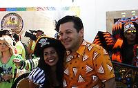 RECIFE-PE-06.02.2016- CARNAVAL-PE- O prefeito de Recife Geraldo Julio durante café da manhã  na concentração do Galo da Madrugada, maior bloco de carnaval do mundo, no centro de Recife, neste sábado, 06. (Foto: Jean Nunes/Brazil Photo Press)