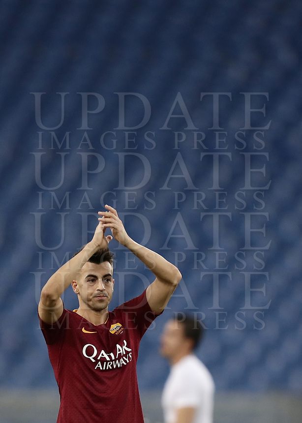 Football, Serie A: AS Roma - Sampdoria, Olympic stadium, Rome, November 11, 2018. <br /> Roma's Stephan El Shaarawy celebrates after winning 4-1 the Italian Serie A football match between Roma and Sampdoria at Rome's Olympic stadium, on November 11, 2018.<br /> UPDATE IMAGES PRESS/Isabella Bonotto