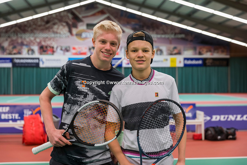 Wateringen, The Netherlands, December 8,  2019, De Rhijenhof , NOJK juniors 14 and18 years, Finals boys 14 years, left  Lars Wagenaar (NED) and oponent  Abel Forger (NED)		<br /> Photo: www.tennisimages.com/Henk Koster