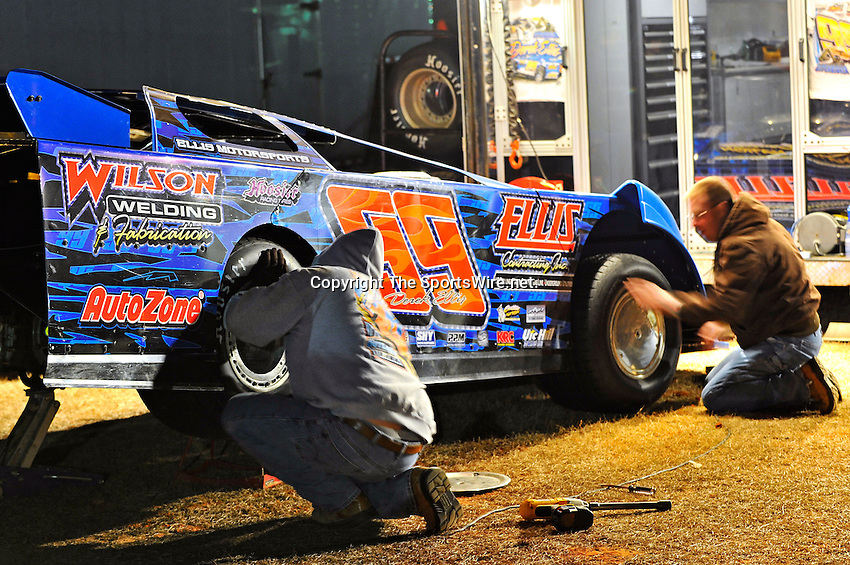 Feb 03, 2011; 6:49:18 PM; Sylvania, GA., USA; An Unsactioned Racing Event Running a 10,000 To Win During Speedweeks 2011 At Screven Motor Speedway.  Mandatory Credit: (thesportswire.net)