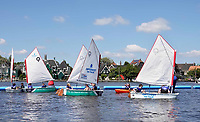 Nederland Zaanstad -  juli 2018.  Zaanse Schans. Optimist on Tour is een rondreizend watersportevenement waar kinderen gratis kunnen kennismaken met de watersport zoals zeilen, windsurfen, kanovaren en suppen. Optimist on Tour is een initiatief van het Watersportverbond.      Foto mag niet in negatieve context gepubliceerd worden.     Foto Berlinda van Dam /  Hollandse Hoogte