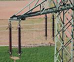 Detailaufnahme einer Hochspannungsleitung, aufgenommen mit einem Oktokopter.