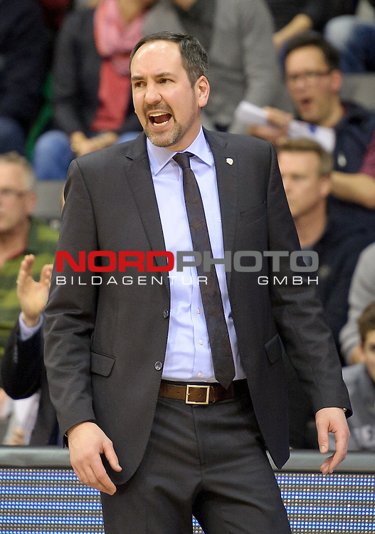 25.02.2015, EWE Arena, Oldenburg, GER, BBL, EWE Baskets Oldenburg vs Mitteldeutscher BC, im Bild Sebastian Machowski (Trainer EWE Baskets Oldenburg)<br /> <br /> Foto &copy; nordphoto / Frisch