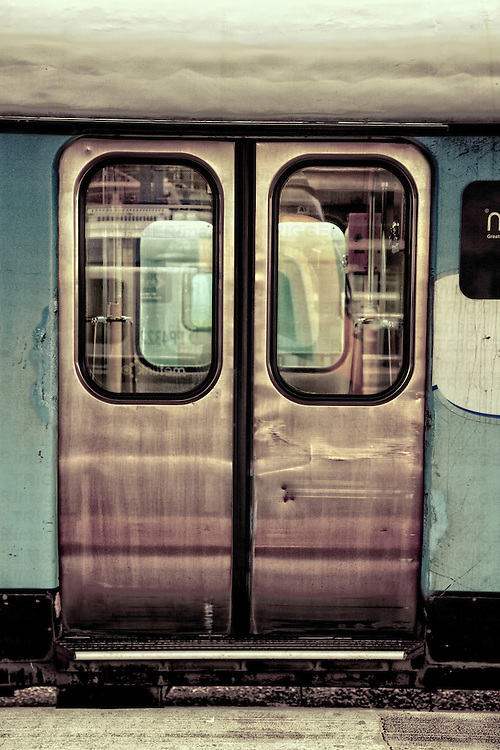 doors to a train carraige